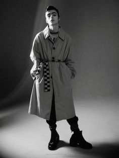 Lennon Gallagher por David Sims para Vogue Hommes David Sims, Liam Gallagher, Oasis Music, Male Fashion Trends, Cool Bands, Vogue, Guys, Coat, Jackets