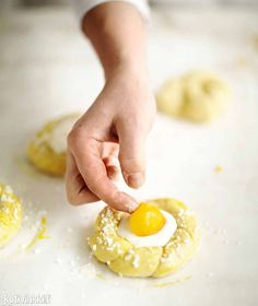 2 h 25 min{ A Baked Doughnuts, Sweet Pastries, Easter Recipes, Easter Food, Baked Goods, Nom Nom, Recipies, Deserts, Baking
