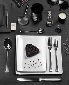 LEONARDO- Geometric shapes, elegant cutlery #Pintinox #posate #cutlery #miseenplace #Leonardo #black #elegance #rice #officelife