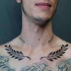 Collar Bone Tattoo For Men, Collar Tattoo, Neck Tattoo For Guys, Tattoo Hals, Tattoos For Guys, Clavicle Tattoo, Tattoo Und Piercing, Chest Tattoo, Black Tattoos