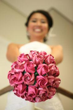 Bouquet de rosas {noiva}. Origami wedding bouquet.