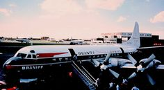 sboutellie: Chicago Midway Airport - Braniff Airways - Lockheed Electra by twa1049g on Flickr.