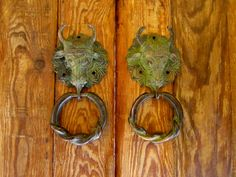 Solid brass BULL door knocker by Rusticompany on Etsy Door Latches, Door Knockers, Solid Brass, Door Handles, Pure Products, Drop Earrings, Antiques, Handmade, Decor