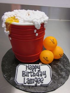 http://elemakescakes.tumblr.com/post/8050151993/beer-pong-and-golf-d