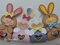 Coelho #gomaevamanualid ades Foam Crafts, Diy And Crafts, Paper Crafts, Creative Gift Wrapping, Creative Gifts, Easter Bunny, Happy Easter, Friend Crafts, Angel Crafts