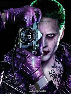 Bankrupt comedian Arthur Fleck (Joaquin Phoenix) encounters violent bandits on the streets of Gotham City. Disregarded by society, Fleck starts to go crazy and becomes the criminal known as the Joker. The Joker, Joker Art, Joker And Harley Quinn, Joker Photos, Joker Images, Joker Cosplay, Gotham City, Fotos Do Joker, Jared Leto Joker