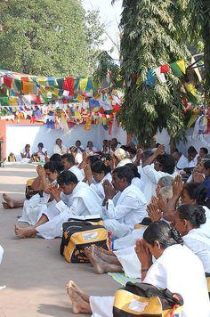 buddhist prayers at sarnath
