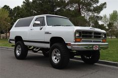 1989 DODGE RAMCHARGER SWEET REFINISH