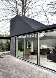 Roof House is a minimalist house located in Fredensborg, Denmark, designed by LETH & GORI. (3)