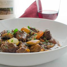 Julia Child's Boeuf Bourguignon is the standard by which all others are measured. Cubed Beef Recipes, Cuban Recipes, New Recipes, Cooking Recipes, Healthy Recipes, Boeuf Bourguignon Julia Child, Bourguignon Recipe, Peasant Food, Mushroom And Onions