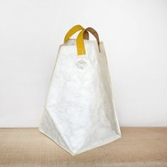 """""""PIA"""" - Tyvek Shopping Bag / Carry All Bag Shopping bag with a 3D design cutting shape, genuine leather handles."""