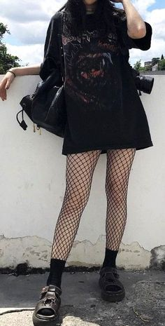 34 Stylish Grunge Outfits Ideas to Rock Your Look .d definitely. - 34 Stylish Grunge Outfits Ideas to Rock Your Look …d definitely in a positive way! Indie Outfits, Punk Outfits, Cool Outfits, Fashion Outfits, Black Outfits, Black Outfit Edgy, Outfits With Fishnets, Fashion Clothes, Hipster Outfits