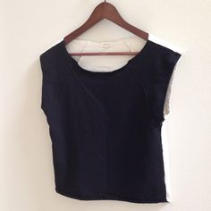 """☄SILENCE + NOISE☄ 2 color raglan sleeve top Silence + Noise 2-Color raglan sleeve  top. Front color is black, back is white. ➡️Measurements: shoulder-hem= 20"""" Size M, fits an 8/10 Urban Outfitters Tops"""