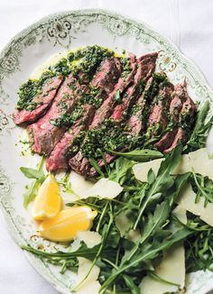 Flank steak tagliata salsa verde on We Heart It Flank Steak, Beef Steak, Meat Recipes, Cooking Recipes, Salsa Verde, Menu Restaurant, No Cook Meals, Italian Recipes, Food Photography
