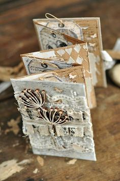 Mini Albums | Scrapbook Albums | Album ideas | Creative Scrapbooker Magazine  #mini #albums #scrapbooking