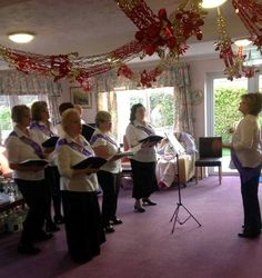 We were fortunate enough to host a visit to Birch Green by The Skelmersdale Community Choir...
