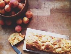 (Skinny) Apricot Loaf Cake Apricot Cake, Loaf Cake, Butcher Block Cutting Board, Cake Recipes, Bread, Skinny, Easy, Food, Recipes For Cakes
