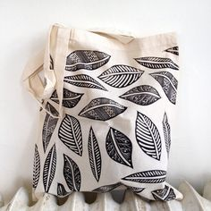 This listing is for one lightweight tote bag made of 100% unbleached cotton, hand printed with the Leaves pattern in black ink. The bag is printed on