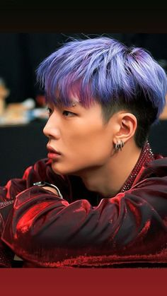 Bobby is so cute in his purple hair. K Pop, Yg Entertainment, Ikon Instagram, Rapper, Boy Band, Ikon Member, Ikon Kpop, Kim Jinhwan, Purple Hair