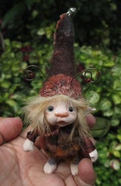 Reserved for sweet 3 inches tiny fairy fairie bug posable ooak Woodland Creatures, Magical Creatures, Fantasy Creatures, Clay Fairies, Flower Fairies, Polymer Clay Fairy, Kobold, Dragons, Baby Fairy