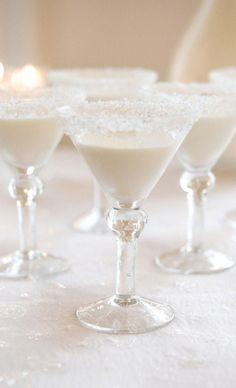 black + white wedding inspiration | cocktail hour  | white chocolate martini | via: bWeddings: ZsaZsa Bellagio