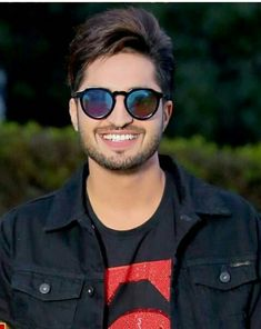 Swag Boys, Emo Boys, Jassi Gill Hairstyle, Hardy Sandhu, Punjabi Models, Music Icon, Bollywood Actors, Hair And Beard Styles, Favorite Person