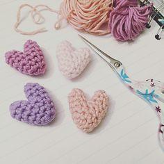Little hearts crochet pattern - crochet hearts