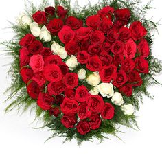 Rose is best known as the symbol of love. Thus rose bunch have become a popular romantic gift for the lovers.