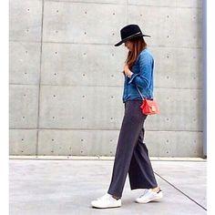 kazumint20. 今週はバタバタの一週間でした。 スニーカー率高め❤︎。 シンプルコーデな毎日、たまに小物でアクセント❤︎。 ⁑ 皆さん、楽しい週末を♪。 ⁑ ⁑ tops  #redcard #レッドカード pants  #edistcloset @edist.closet . shoes  #adidas #スタンスミス hat  #janessaleone #ジャネッサレオン bag  #furla #メトロポリス ⁑ ⁑ #ootd#outfit#coodinate#fashion#instafashion#コーディネート#ママコーデ#シンプル#シンプルコーデ#ワイドパンツ#ハット#スニーカーコーデ#スタンスミスブラック#デニムジャケット#gジャン#ロカリ
