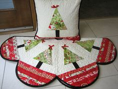 Pillow and matching Tree Skirt | Flickr - Photo Sharing!