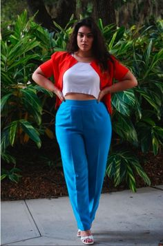 GIRL CRUSH DU JOUR: Killing it with Curves | Messy Nessy Chic Messy Nessy Chic