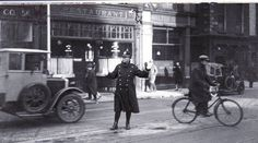 Dame street 1932. Dublin Street, Dublin City, Old Pictures, Old Photos, Photo Engraving, Ireland Homes, Past, Police, Street View