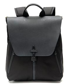 Staad Laptop BackPack Review via @technologytell | 5 STARS | http://www.sfbags.com/products/staad-laptop-backpack