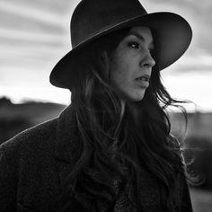 """MARIA MENA: Neues Album """"Growing Pains"""" erscheint am 4.12., neuer Song schon jetzt"""