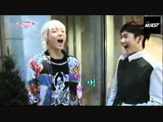 Ren and Aron seeing who can hit the highest note. Definitely not what I expected. O.o