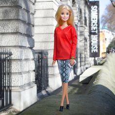 31.3 тыс. отметок «Нравится», 164 комментариев — Barbie® (@barbiestyle) в Instagram: «Enjoying a quiet moment outside #SomersetHouse before a busy day ahead!  #LFW #barbie #barbiestyle»
