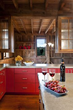 Get away from traditional kitchen colors and think about red cabinets. Cozy Kitchen, Red Kitchen, Kitchen Dining, Kitchen Decor, Kitchen Cabinets, Barn Kitchen, Kitchen Ideas, Kitchen Wood, Bamboo Cabinets