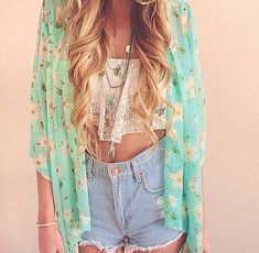 crop top, kimono, and high waisted shorts.. effortless and fabulous.
