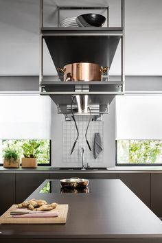 Dada hoods complete the kitchen design by combining the project's aesthetic needs with the best technical performance. Kitchen Furniture, Kitchen Dining, Cool Furniture, Furniture Dolly, Repurposed Furniture, Furniture Stores, Office Furniture, Furniture Ideas, Kitchen Island