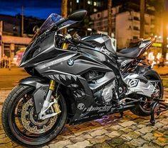 #Motorcycle FIM Superbike World Championship, #BMWS1000R Kawasaki Ninja H2, #Wheel #BMWMotorrad BMW S1000RR, Suzuki GSX-R series - Follow #extremegentleman for more pics like this!
