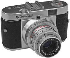 Voigtländer Vito B - Foto Camera Drawing, Camera Art, Retro Camera, Film Camera, Camera Lens, Antique Cameras, Old Cameras, Vintage Cameras, Vintage Ads