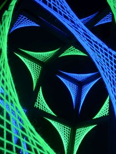 "3D String Art Deko Würfel ""Slanted Cube"" #blacklight #schwarzlicht #stringart #cube #fadendeko #deco #string #art  #psy #deco"