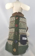 I can soooo make this. Dog sweater made from recycled wool sweater.