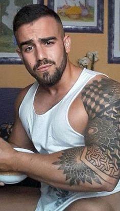 Love the Escher-esque ink. Hot Guys Tattoos, Cool Tats, Light My Fire, Sexy Shirts, Beard No Mustache, Male Physique, Sexy Men, Sexy Guys, Hot Men