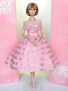 to ] Great to own a Ray-Ban sunglasses as summer gift.Poppy Parker Doll : yes, I know, she's not Barbie.anycase, what a wonderful gown! Barbie Dress, Barbie Clothes, Pink Dress, Pink Barbie, Barbie Top, Fashion Royalty Dolls, Fashion Dolls, Dress Fashion, Barbie Vintage