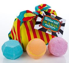 Lush Enchanter, Twilight, Magic Bombs: With threemagical colour-changing treats – it's intents!