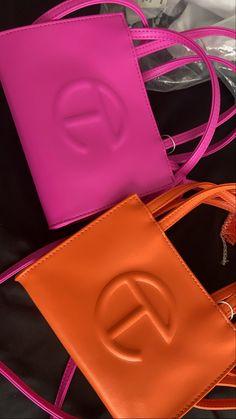 Luxury Purses, Luxury Bags, Luxury Handbags, My Bags, Purses And Bags, Bougie Black Girl, Stylish Handbags, Cute Purses, Trendy Purses