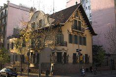 La Casa Pere Company es un edificio modernista de Barcelona, España, construido por Josep Puig i Cadafalch en 1911.  La obra fue propuesta en 1911 para el premio del concurso anual de edificios artísticos de Barcelona, galardón que, finalmente, se concedió a la fábrica Casaramona, del mismo arquitecto.- PiC-company-Bs.As.56-1335-01 - Casa Pere Company - Wikipedia, la enciclopedia libre