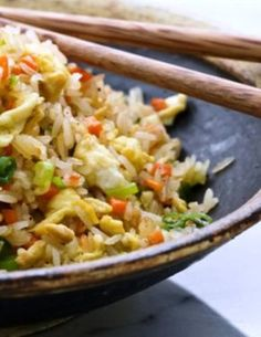This chicken fried rice recipe is a terrific way to use leftover rice. It's easier and cheaper to make than ordering takeout, and the kids love this fried rice. Chicken Fried Rice Recipe Easy, Quick Fried Rice, Making Fried Rice, Chicken Recipes, Rice Recipes, Asian Recipes, Cooking Recipes, Ethnic Recipes, Easy Recipes