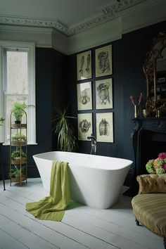 A Bathroom That Successfully Combines Modernity With Period Features – Dear Designer – Kitcapfix Bathroom Design Inspiration, Bad Inspiration, Bathroom Interior Design, Design Ideas, Dark Bathrooms, Beautiful Bathrooms, Small Bathroom, Bathroom Ideas, Budget Bathroom